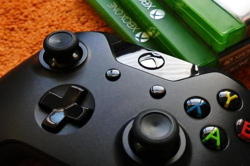 Spela musik på Xbox One